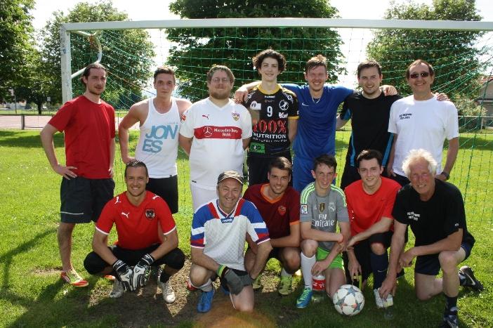Schulwiese-Fußball-FREIZEITCLUB-im-Mai-2016-2-Kopie-Kopie